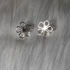 silver flower earrings studs
